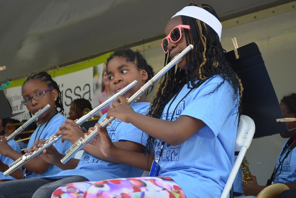 Summer Music Academy flutists