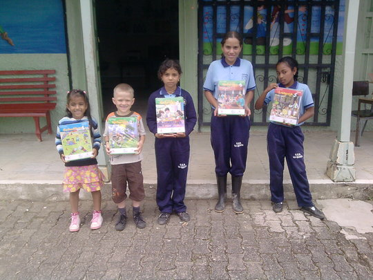 Students receive new Learning Guides