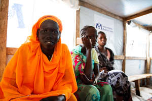 Patients in a refugee camp - by Maia Baldauf