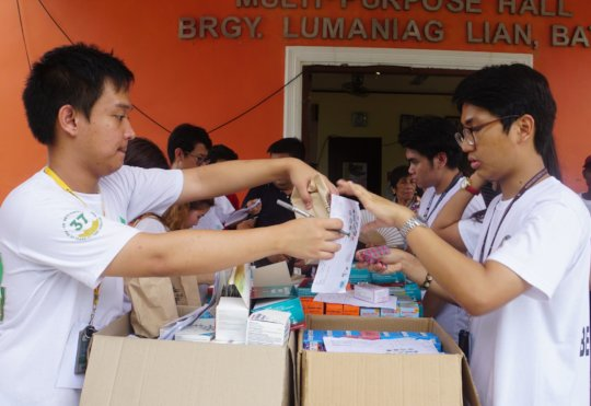 Students do their share in the Medical  Mission
