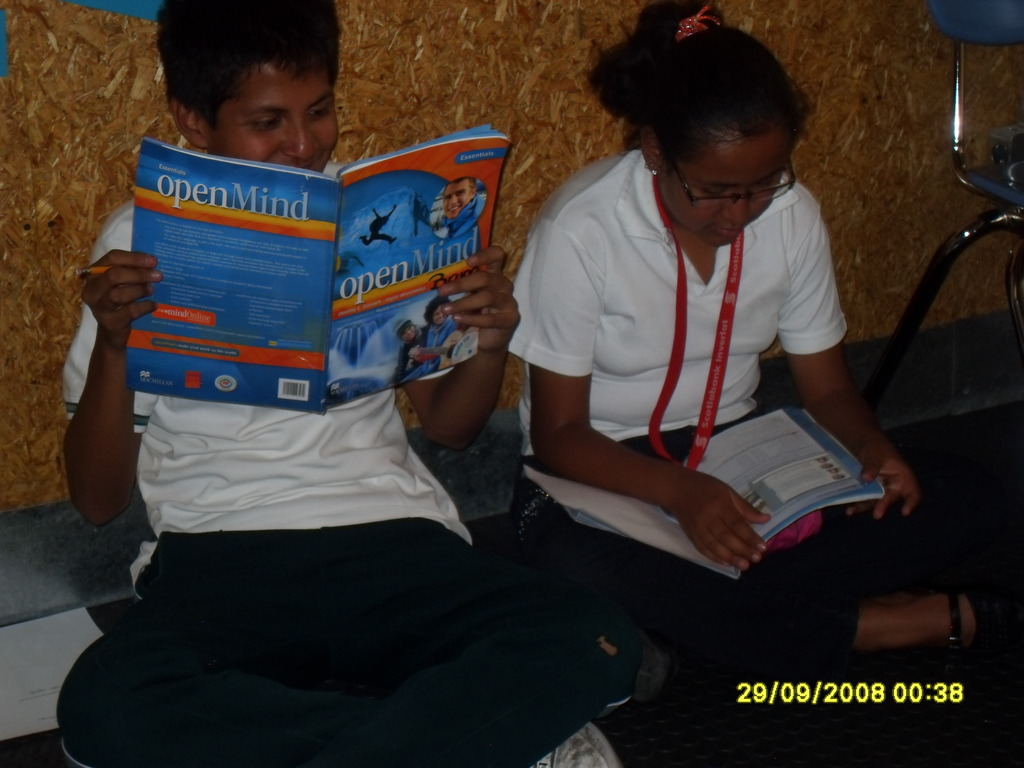 Bruno and Viviane reading