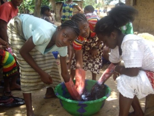 Arts Training for 50 Orphaned Youth in Daru