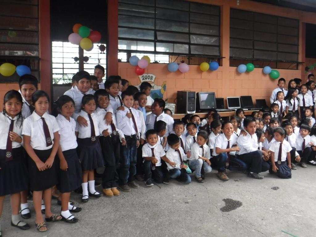 Nueva San Jose Children begin computer program