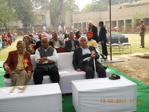 Hon' able  Mr.Sudershan  Agarwal and other guests