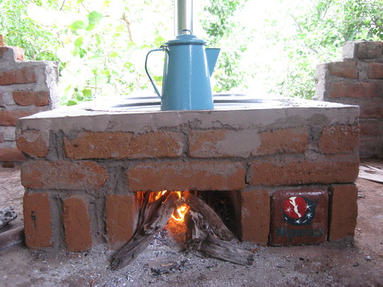 Patsari clean cookstove installed by Niparaja