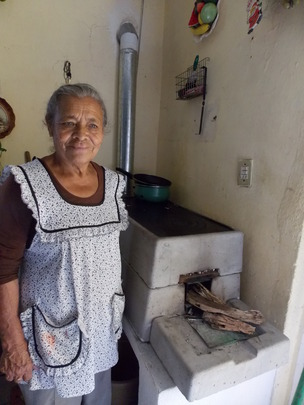 Woman from Zapaliname with brand new stove