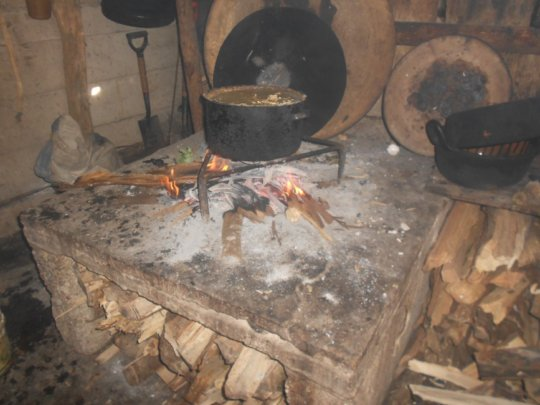 Cooking with open fire in Puebla