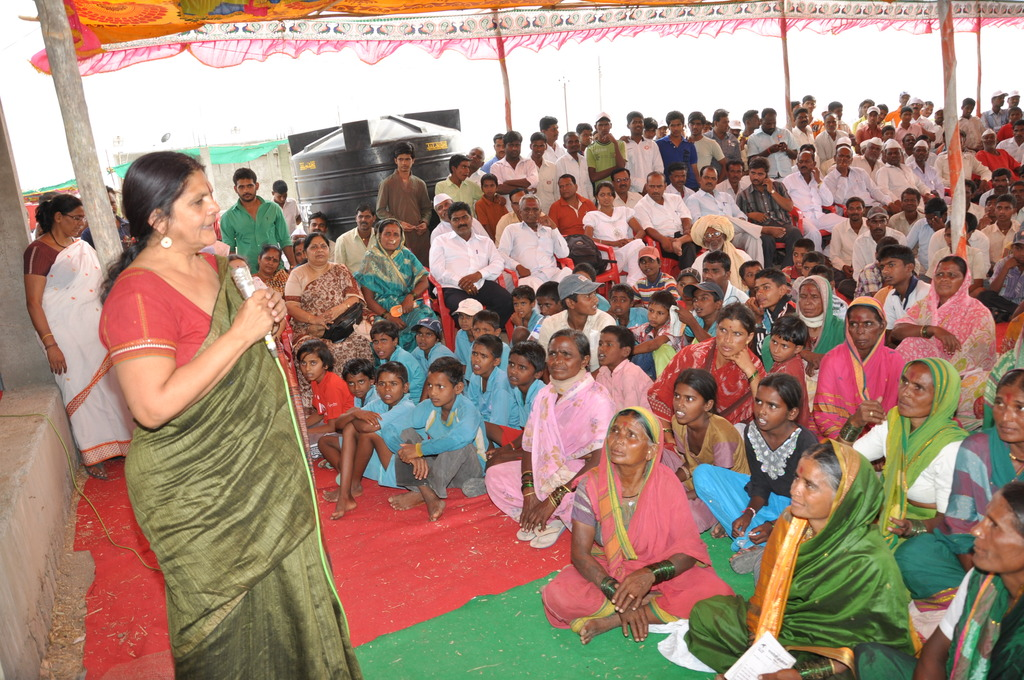 Founder Chetna Sinha, discussing with farmer women