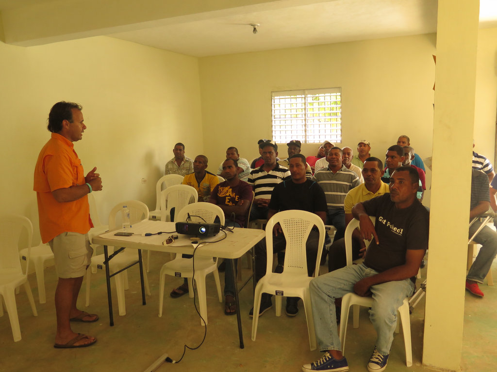 Talk to fishermen from Juancho