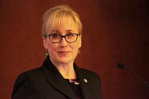 CHL President Jennifer Soderholm addresses forum