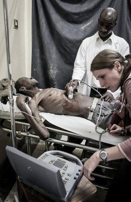 Volunteer MD with ECP Richard using ultrasound