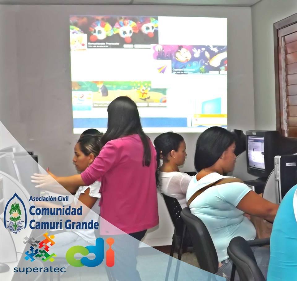 Hard work in Camuri Grande, Vargas state