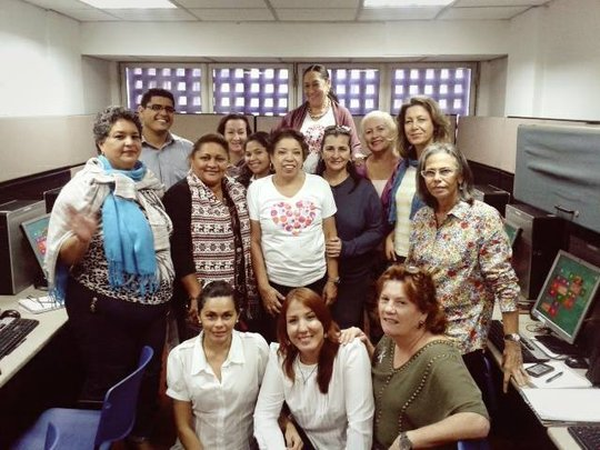 Amazing team! Senos Ayuda volunteers