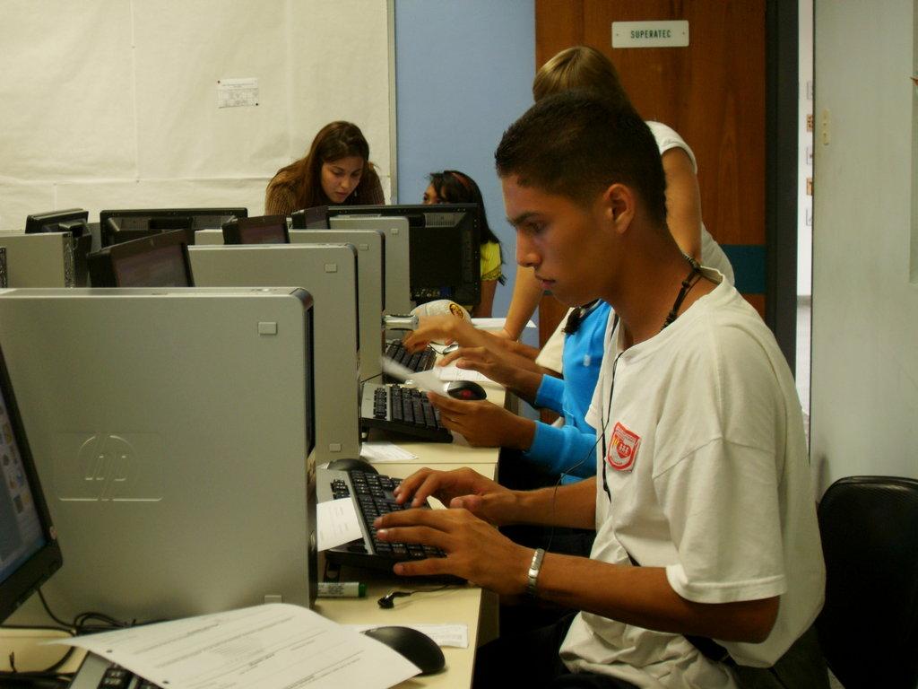Transforming 4000 lives thru technology  Venezuela