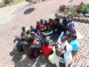 Samantha and Sithabisiwe pre-school storytelling