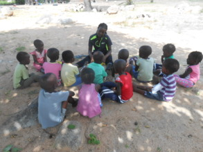 Sithabisiwe with pre-schoolers