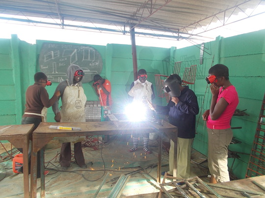 Group training in welding