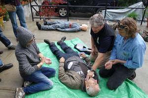 Bill Frederick demonstrates defibrillation