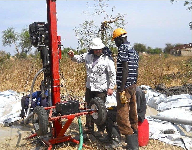 Volunteer Rob and apprentice Thai