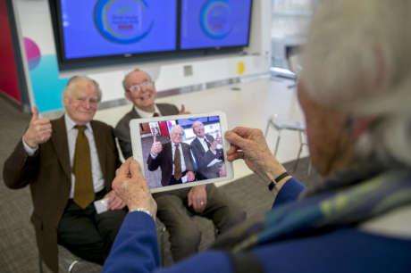 Help older people learn basic IT skills
