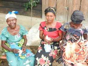 Women work on livlihood activities in the DRC