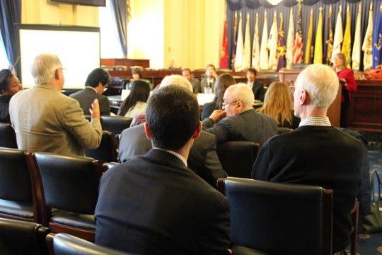 full house at EESI briefing on renewable energy