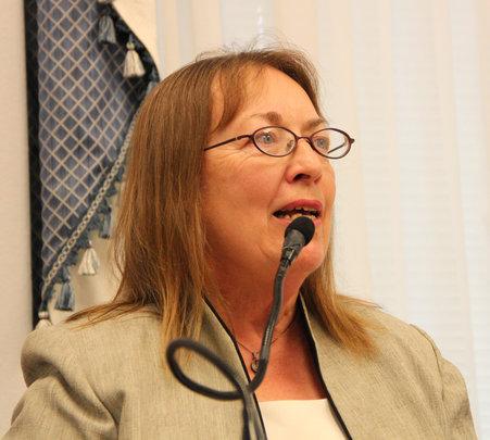 EESI Executive Director Carol Werner at briefing