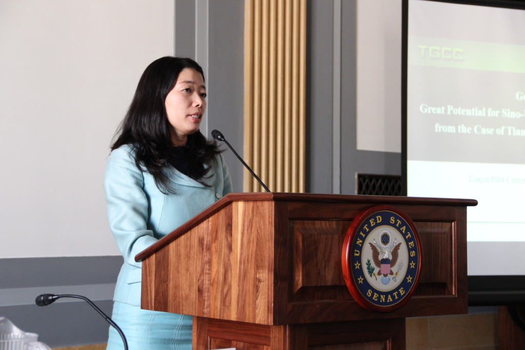 Experts help policymakers understand key issues