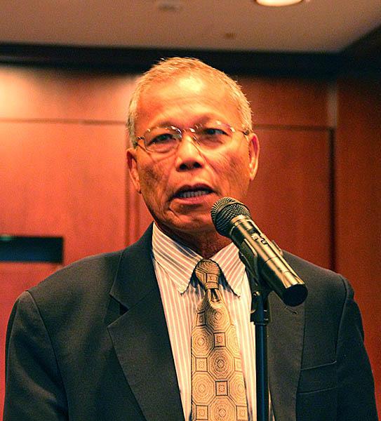 Micronesian Ambassador speaking at briefing
