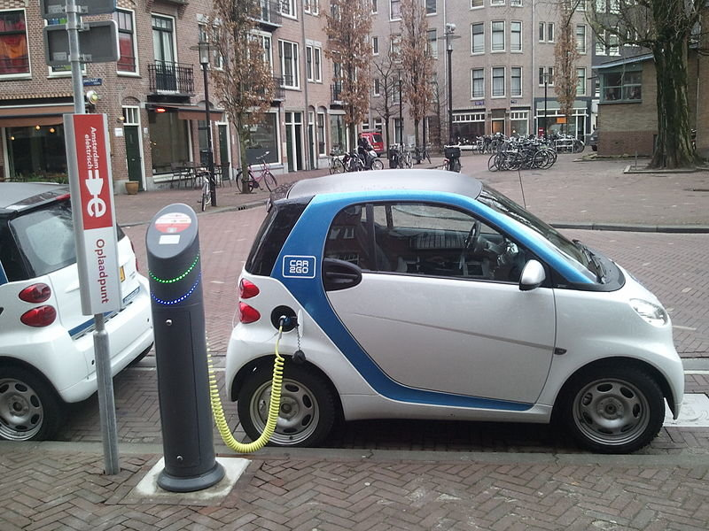 Electric car (mmurphy/pixabay)