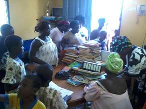 Mothers in the office to pre-register