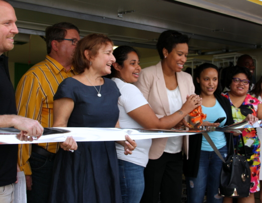 Mayor Bowser cutting the ceremonial ribbon!
