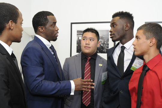 Sean Combs mentoring the finalists