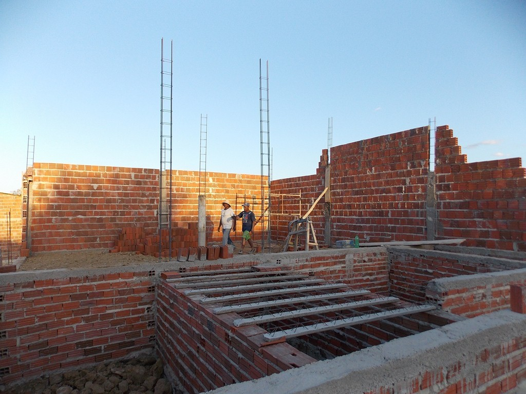 School walls coming up