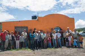 Casita Linda team with new families