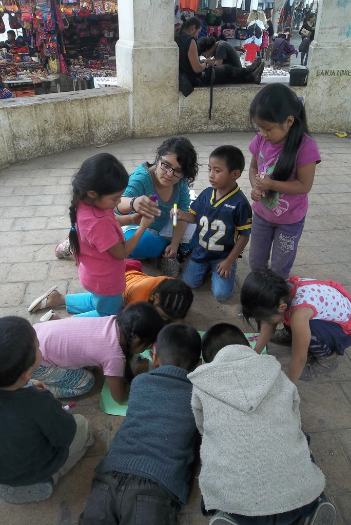 Learning circles in Santo Domingos Craft Market