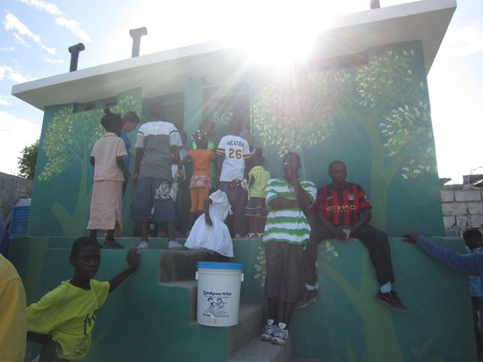 Sanitation for 3,500 Earthquake Victims in Haiti