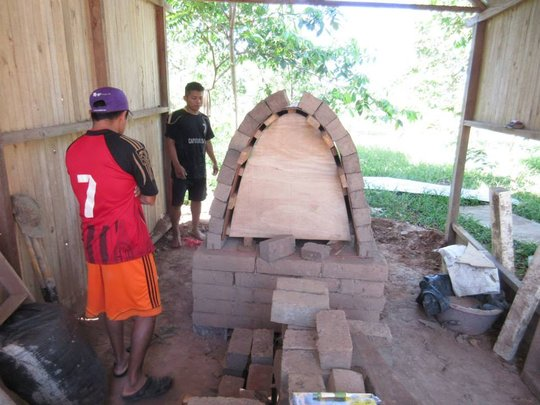 Building the clay kiln at IDEARA