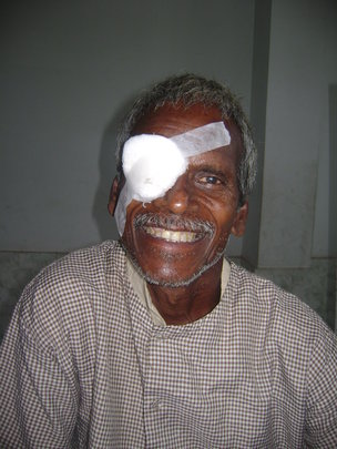 Restore eyesight to 1000 villagers in India