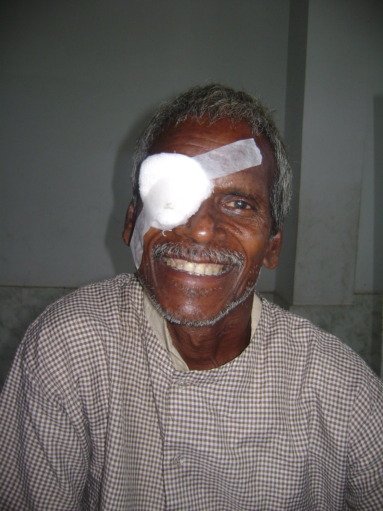 Restore eyesight to 2000 villagers in India