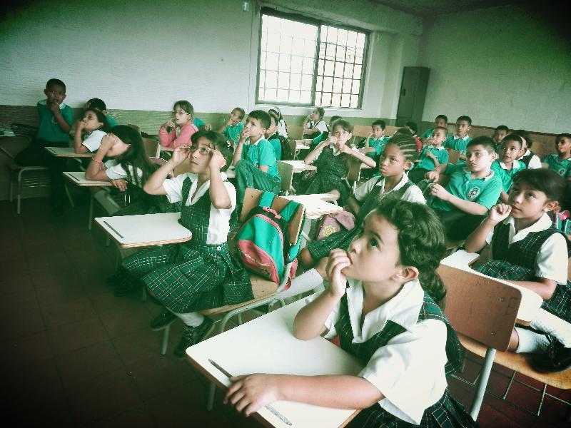 School Jose Maria Velaz Medellin barrio Popular 1