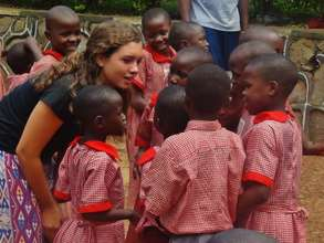 Many volunteers assist teachers at school