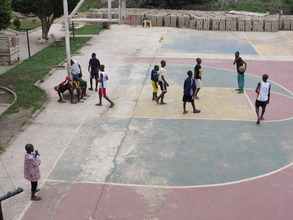 6am Kids on the court