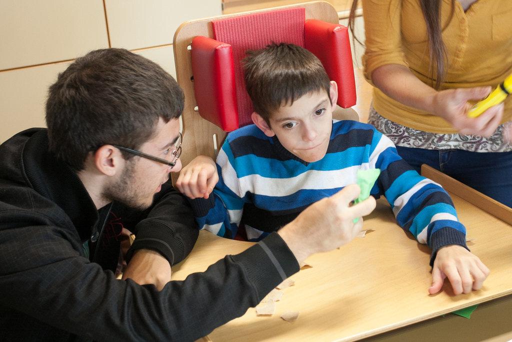 Young volunteer - sharing help.