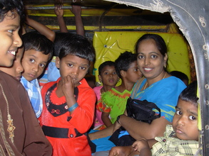 The children crowded into two auto rickshaws for the ride home!