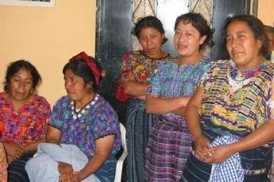 A sewing group working with AFEDES