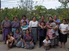 Group photo of the families working with APROSADSE
