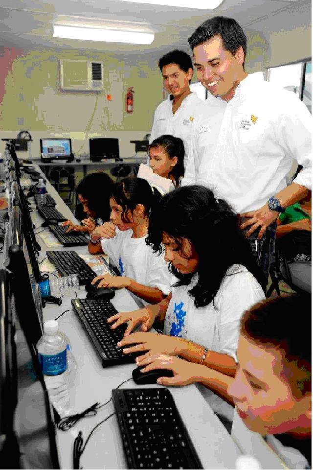 Empower Mexican Youth through Technology on Wheels