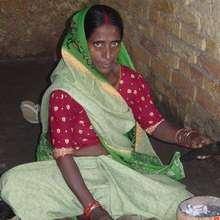 Manavi member making bangles