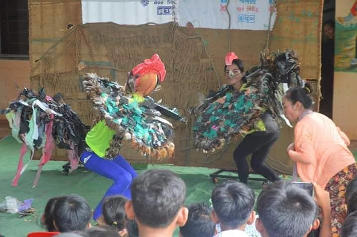 Hen and cock show